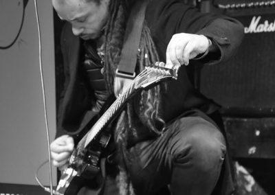TT16_Guitarist